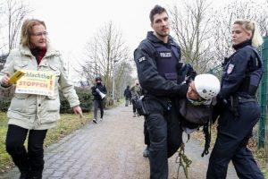 Verhaftung Foto Tierfabriken-Widerstand