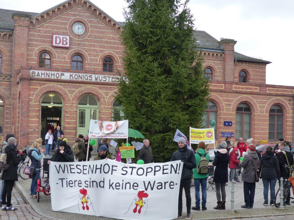 Demo zum Klimastreiktag vor dem Bahnhof KW
